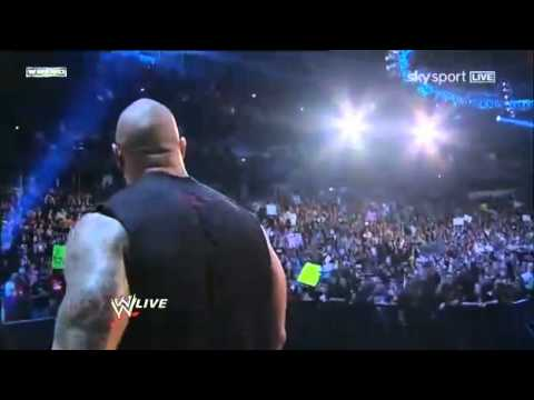 The Rock returns to WWE Raw - 14.02.2011 (Entrance)