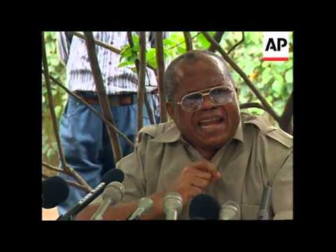 CONGO: KINSHASA: GOVERNMENT FACES FIRST DEMONSTRATIONS