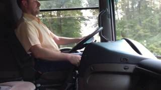 Driving Truck shifting Mack E7 e tech engine Renault Magnum 440 manual shifting turbo whistle sound