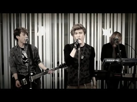 LUNAFLY cover of Locked Out Of Heaven by Bruno Mars