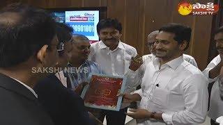 NATA Members Meets AP CM YS Jagan Mohan Reddy | సీఎం వైఎస్ జగన్ను కలిసిన 'నాటా' బృందం..