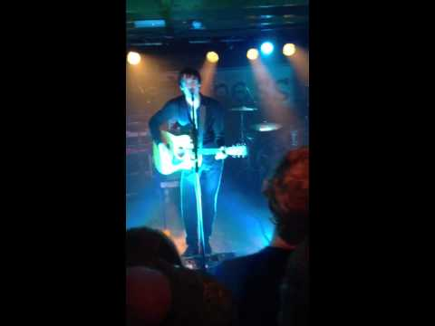 Miles Kane - Colour Of The Trap (Acoustic, live at The Duchess, York)