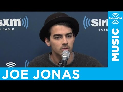 Joe Jonas on Taylor Swift &amp; Jonas Brothers Going Shirtless in New Music Video?