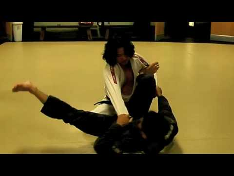 BJJ Spider Guard Sweep Triangle Combination - Technics Academy Honolulu Hawaii Image 1