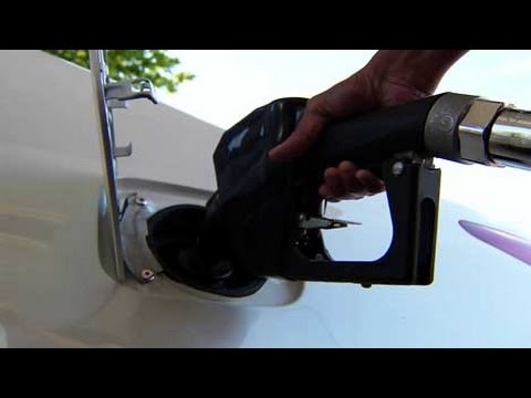 Automakers Worry About Falling Gas Prices, Former Ford PR Chief Alleges Spying - Autoline Daily 1487