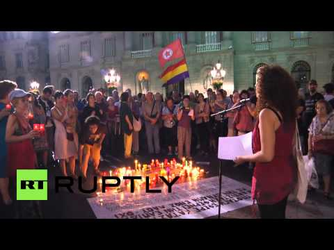 Spain: Activists hold candle-lit rally in solidarity with Greek 'NO' voters