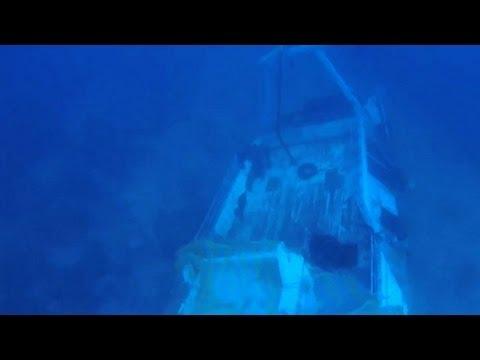 Dalgıçlar batık teknede ceset arıyor