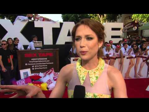"Sex Tape: Ellie Kemper ""Tess"" Red Carpet Premiere Movie Interview"