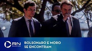 Bolsonaro e Moro se encontram após vazamentos de conversas sobre Lava Jato