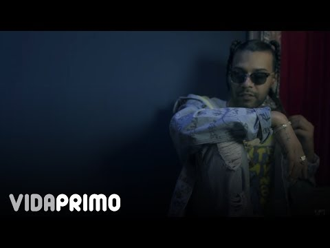 0 - Sou El Flotador Ft. Nio Garcia Y Casper Mágico - Fantasma (Official Video)