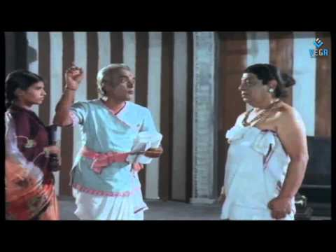 Deviyin Thiruvilayadal Movie - Manorama  temple Comedy Scene