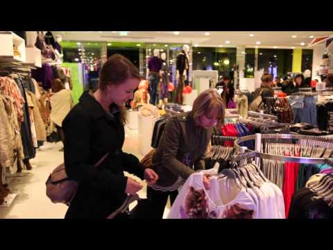 BERSHKA::Vogue Fashion s Night Out 2011_Berlin