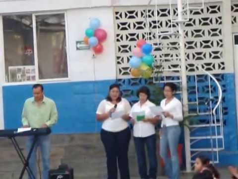 Maestras De Colegio Anahuac Bucareli Cantandoles Youtube