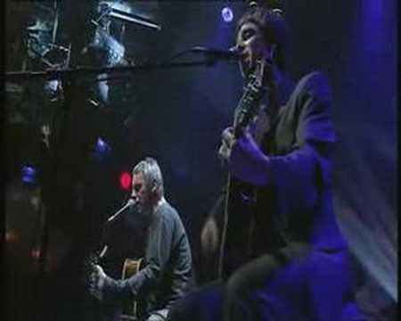 Paul Weller plays Thats Entertainment with Noel Gallagher