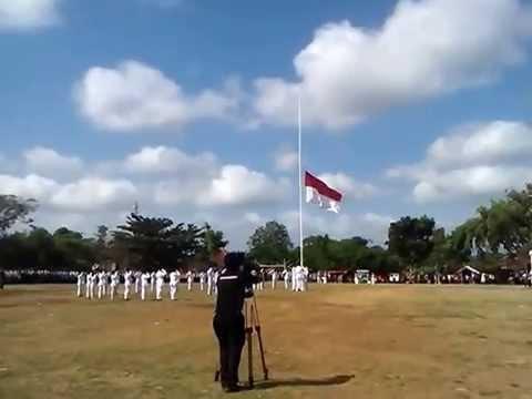 SURADE - Detik-detik Pengibaran Bendera. 17 Agustus 2014 [Lapang Lodaya Surade]