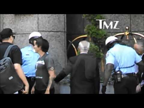 Anthony Kiedis fight with Bodyguard