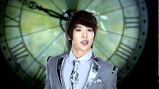 Watch Ukiss Tick Tack video