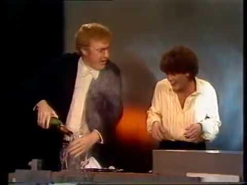 Veronica - vuurwerk, Afkondiging Marijke Benkhard (en André van Duin), einde (1980-1981)