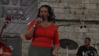 Dianne Reeves - Testify - 8/12/2000 - Newport Jazz Festival (Official)