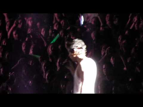 One Direction - What Makes You Beautiful - Hershey Park Stadium (7/6/13)