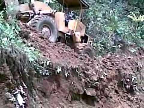 EL MEJOR OPERADOR DE MAQUINARIA PESADA Y ES DE PUEBLO RICO RDA