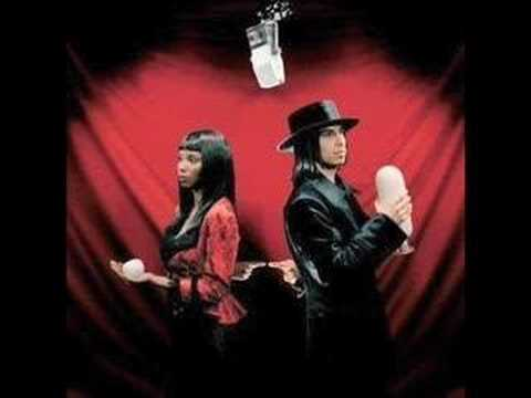 White Stripes - Though I Hear You Calling I Will Not Answer