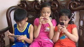 Những ảnh hưởng và hệ lụy khi trẻ em chơi và xem điện thoại quá nhiều.