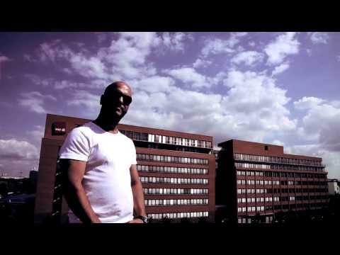 Alpa Gun Feat Mosh36 - AKZ Tour 2013 Official Video