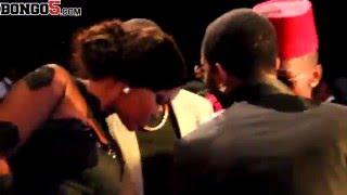 Diamond na Wema kissing