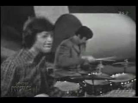 Thumbnail of video The Spencer Davis Group - Keep on Running