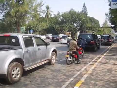 DAILY LIFE ON THE ROADS IN VIENTIANE, LAOS, (PART 1)