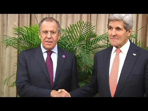 John Kerry e Sergei Lavrov encontram-se na Suíça à margem da conferência da OSCE
