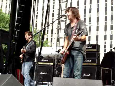 Pat Travers Band - Boom Boom Out Go The Lights Live