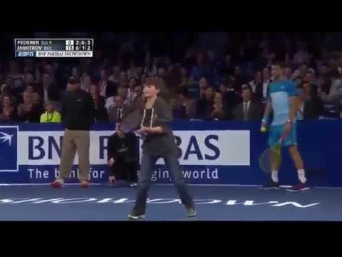 Школьник уделал профессионального теннисиста