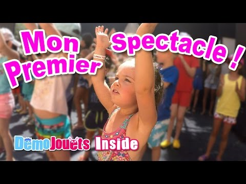 (VLOG) Mon Premier Spectacle au Mini Club - VACANCES en FAMILLE