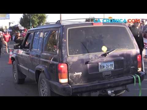 Jóvenes violan las barreras de seguridad de la 250