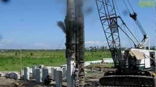 Link Belt Diesel Powered Pile Driver Hammer Working