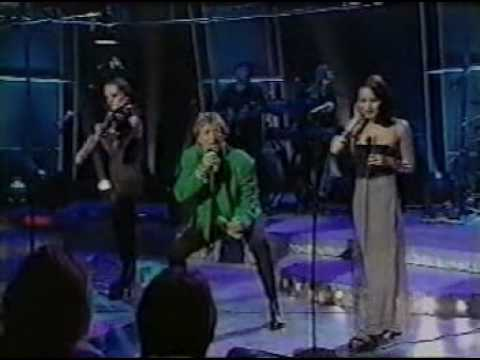 Rod Stewart & The Corrs - Ooh La La