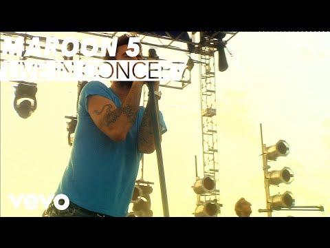 Maroon 5 - Moves Like Jagger (VEVO Carnival Cruise)