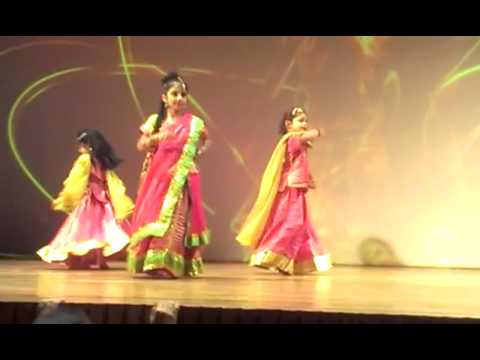 Vani Bajaj performed on stage on Saavan Mein Morni Banke Main...