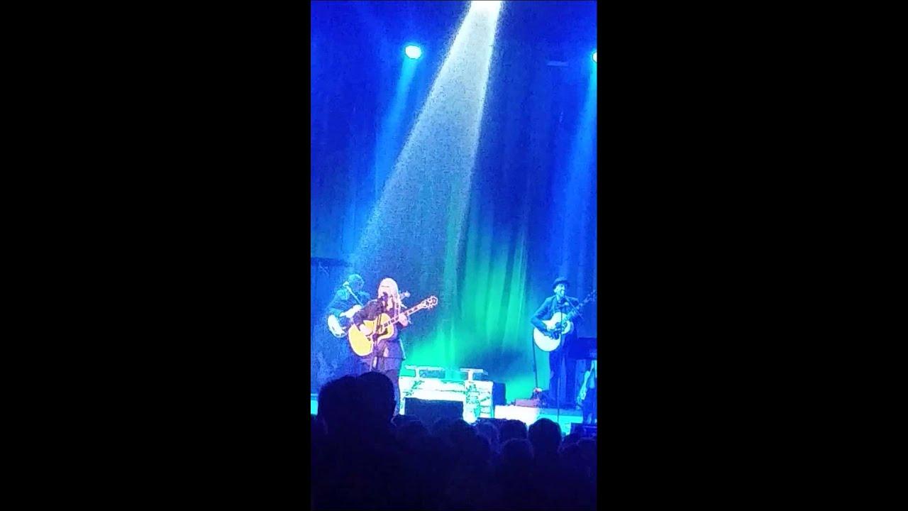 Jann Arden Unloved Live in Montreal 26. September 2014 - YouTube