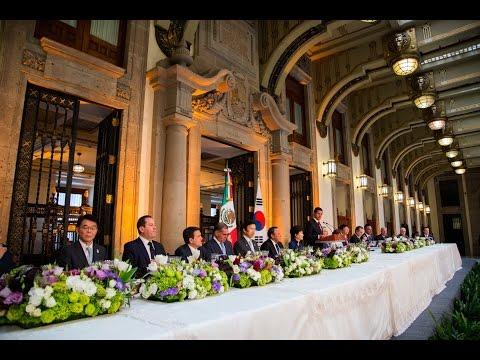 Visita Oficial: Comida en honor de la señora Park Geun-hye, Presidenta de la República de Corea
