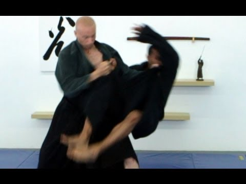 Sukui nage, basic Ninjutsu throw -- technique for Akban wiki Image 1