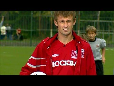 Видео как научиться хорошо играть в футбол