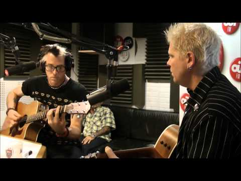The Offspring - Come Out And Play acoustic @OÜIFM