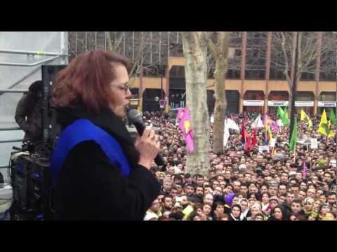 MC Vergiat rassemblement de protestation le 12 01 2012.MOV