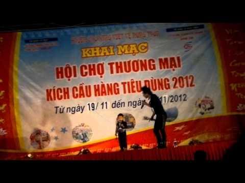 Châu Việt Cường tại hội chợ  - Full HD