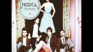 09 Model - Çürüsün Gelinliğim (2011)