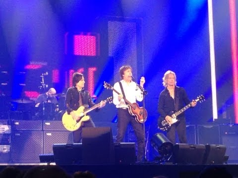 Paul McCartney sings Yesterday in Austin - May 23, 2013