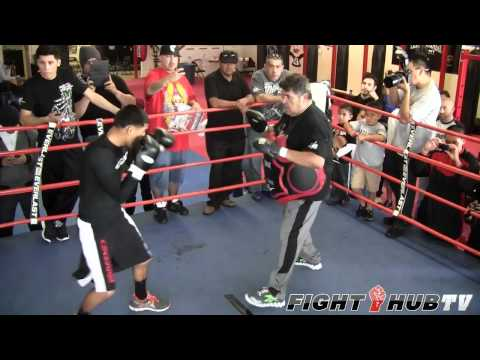 Abner Mares vs. Eric Morel: Mares full shadow boxing and focus mitt workout Image 1